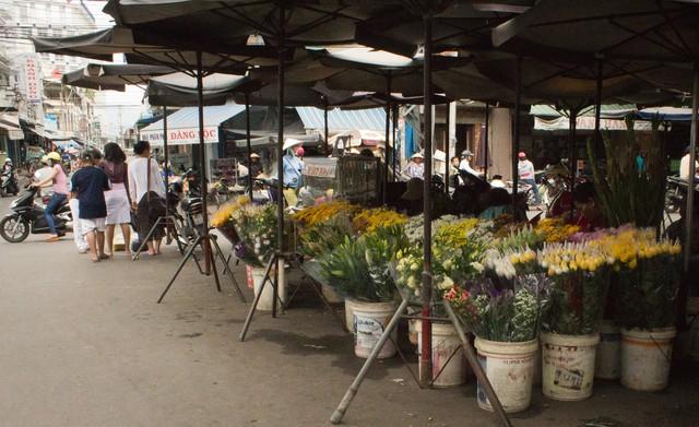 Vietnam Stock Market Chart: Nha Trang Vietnam Marketplace Flower Vendor - Photo - Tendenci ,Chart