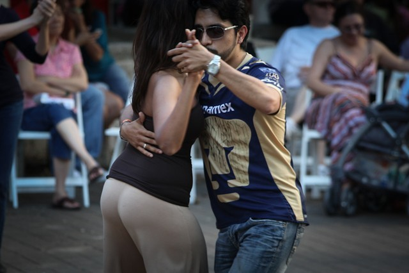 2012 04 iFest Crowd Tango by eschipul-9826
